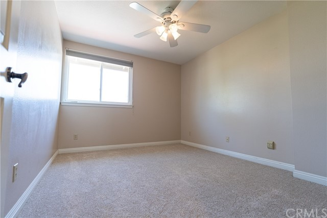 Ceiling fans in all upstairs bedrooms