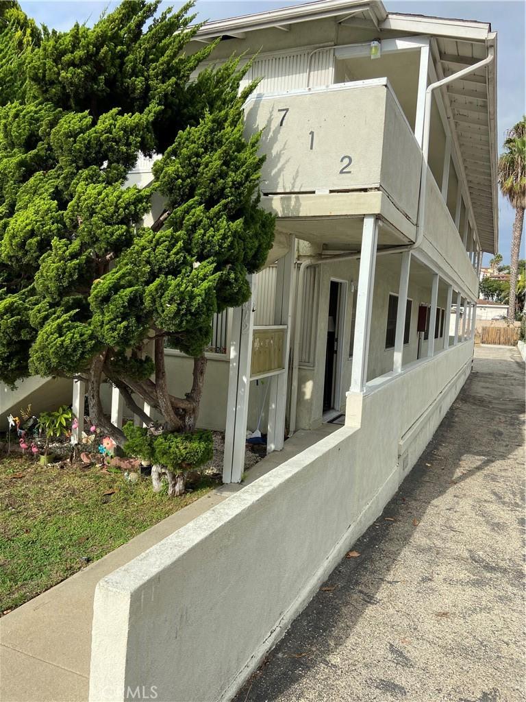 712 Guadalupe, Redondo Beach, CA 6 units