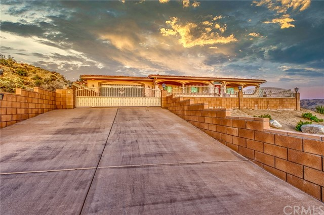 6207 Red Bluff Avenue, Yucca Valley, CA 92284