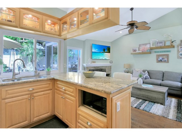 11. 20962 Beachwood Lane Huntington Beach, CA 92646