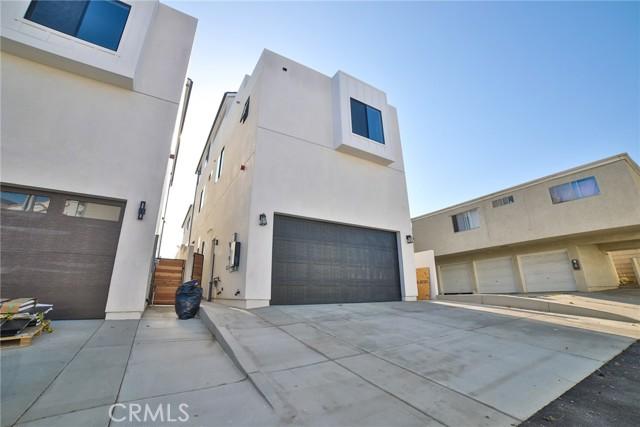 54. 412 California Street Huntington Beach, CA 92648