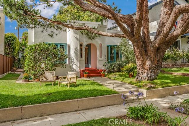 737 Avenue C, Redondo Beach, California 90277, 3 Bedrooms Bedrooms, ,2 BathroomsBathrooms,For Sale,Avenue C,PV15146230