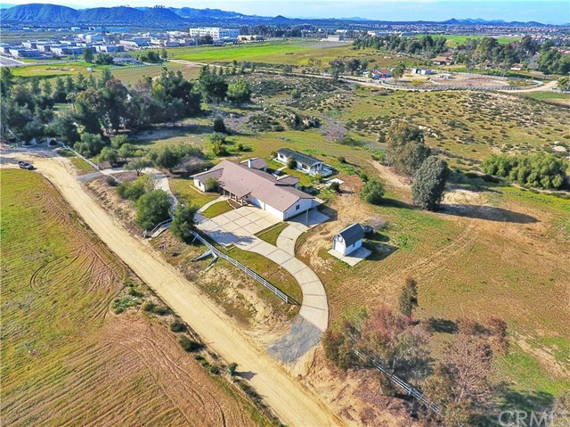 37465 Applegate Road, Murrieta, CA 92563