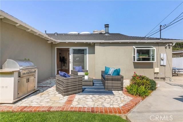444 Via Los Miradores, Redondo Beach, California 90277, 3 Bedrooms Bedrooms, ,1 BathroomBathrooms,For Sale,Via Los Miradores,SB20212740