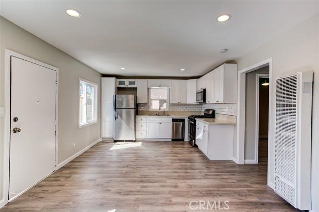 500 Helberta Avenue, Redondo Beach, California 90277, ,For Sale,Helberta,SB21059439