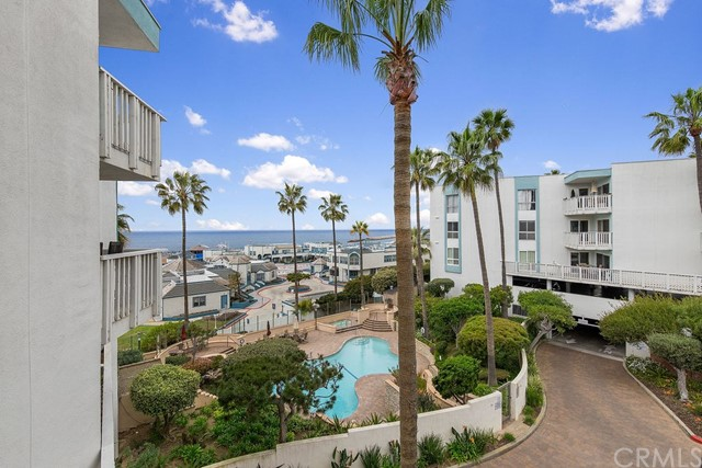 640 The Village 212, Redondo Beach, CA 90277