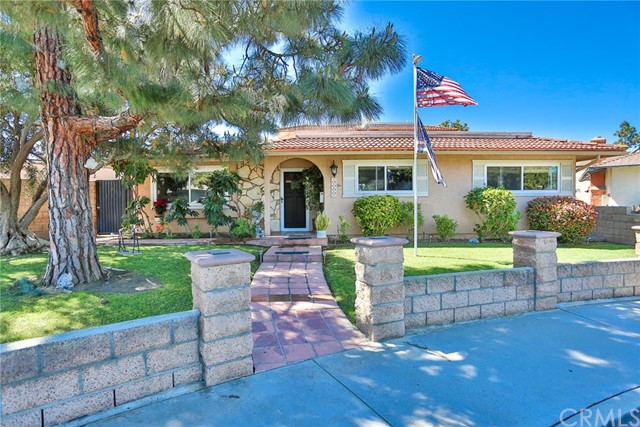 16601 Le Grande Lane, Huntington Beach, CA 92649