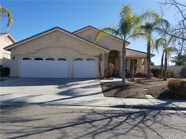 37 Corte Rivera, Lake Elsinore, CA 92532