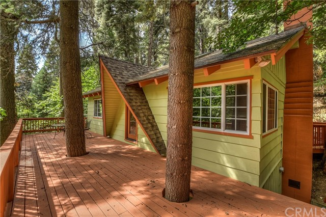 859 Kuffel Canyon Road, Lake Arrowhead, CA 92385