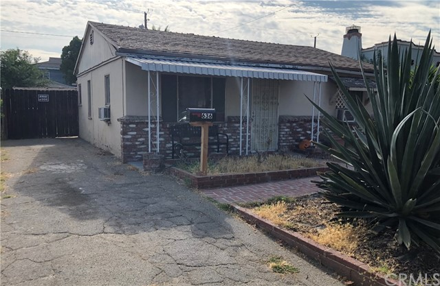 Calling all investors and creative home buyers! Excellent opportunity to own a fixer-upper in Burbank! Close to the Chandler bike path, this two-bedroom, 1 bath home sits on a large lot. This is a drive-by only listing.