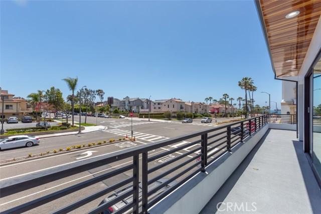 37. 242 S Broadway Redondo Beach, CA 90277