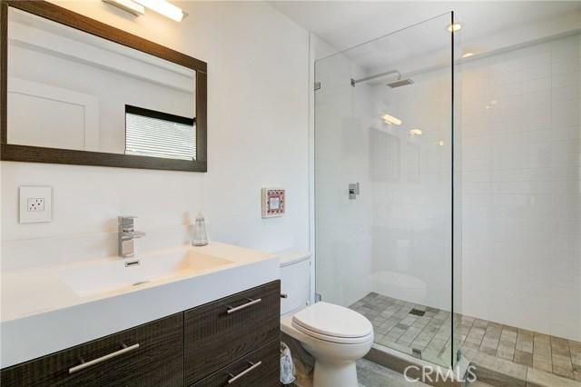 卧房个数: 4, 浴室个数 : 3.5