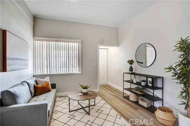 3945 Cedar Street, Riverside, California 92501, 4 Bedrooms Bedrooms, ,3 BathroomsBathrooms,Residential,For Sale,Cedar,CV21226287