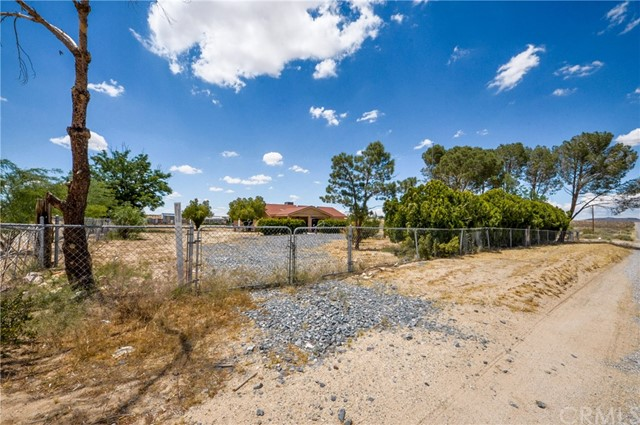 28332 Rodeo Road, Helendale, CA 92342