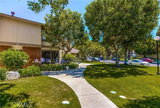 2915 N Cottonwood Street 18, Orange, CA 92865