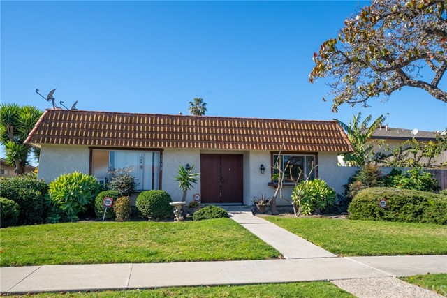 3099 Ginger Avenue, Costa Mesa, CA 92626