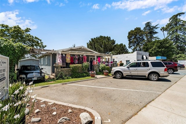 585 E 6th Street, Beaumont, CA 92223