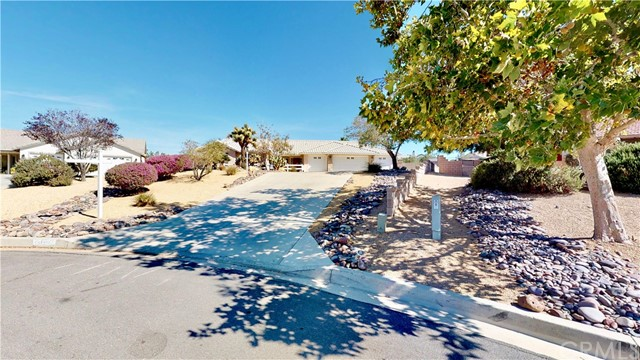 13511 Paoha Road, Apple Valley, CA 92308