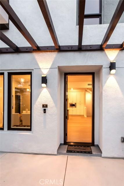 3. 719 S Marengo Avenue #1 Pasadena, CA 91106