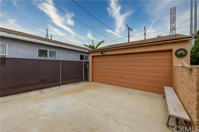 41. 3739 Delta Avenue Long Beach, CA 90810