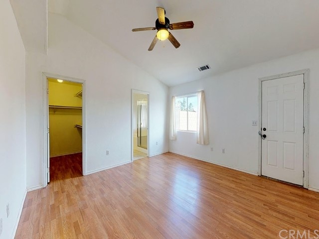 10625 Mesa St, Oak Hills, CA 92344 Photo 18