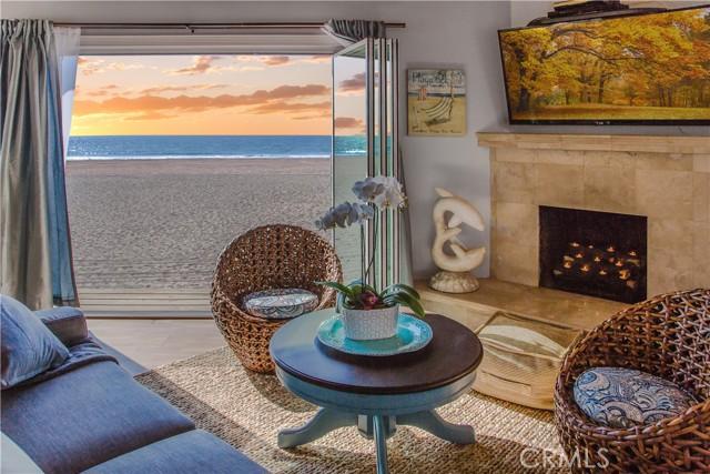 1728 The Strand 2, Hermosa Beach, California 90254, 2 Bedrooms Bedrooms, ,1 BathroomBathrooms,For Rent,The Strand,SB21085831