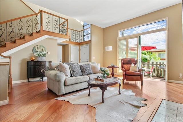 1922 Clark Lane B, Redondo Beach, California 90278, 3 Bedrooms Bedrooms, ,2 BathroomsBathrooms,For Sale,Clark,PW21015933