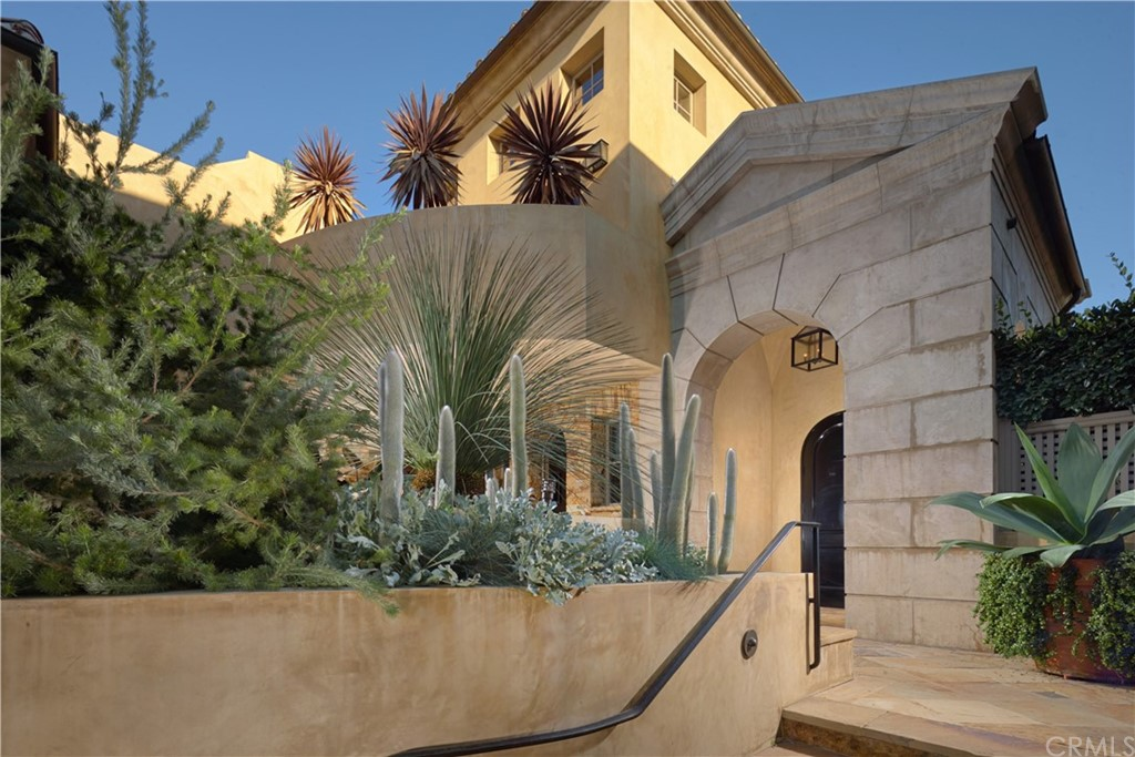 Photo of 215 Carnation Avenue, Corona del Mar, CA 92625