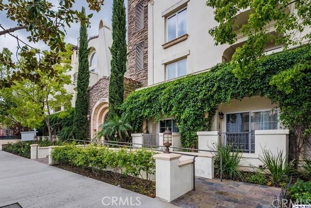 15206 Burbank Boulevard 101, Sherman Oaks, CA 91411