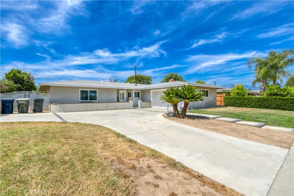 1016   W Fern Avenue, Redlands CA 92373