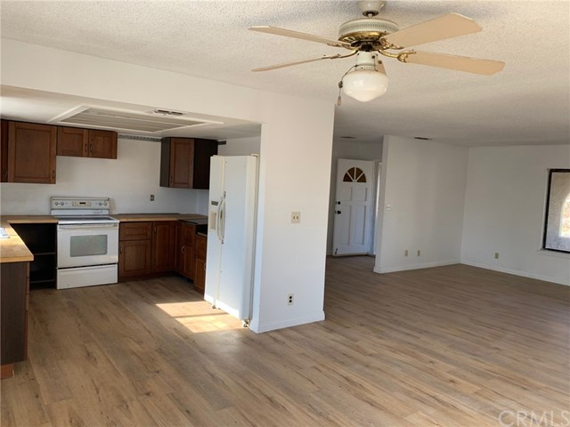 9561 Akron Rd, Lucerne Valley, CA 92356 Photo 7