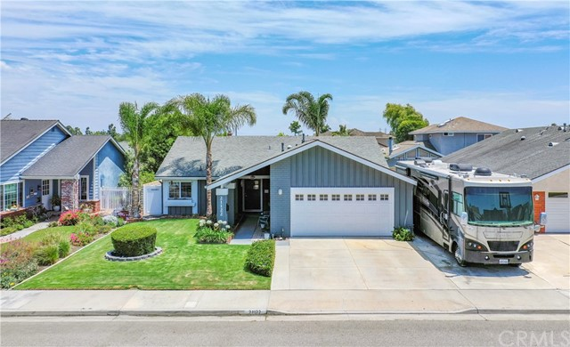 21122 White Horse Lane, Huntington Beach, CA 92646