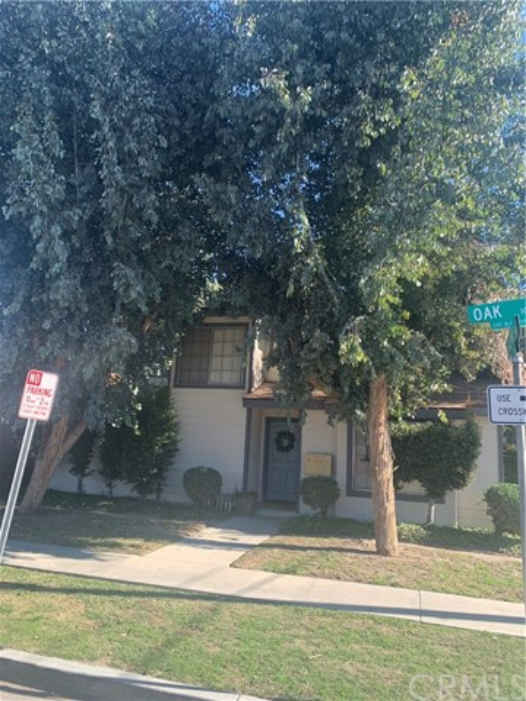 10722 Oak Street, Los Alamitos, CA 90720