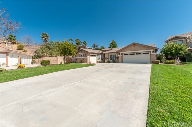 33590 Gene Autry Circle, Yucaipa, CA 92399