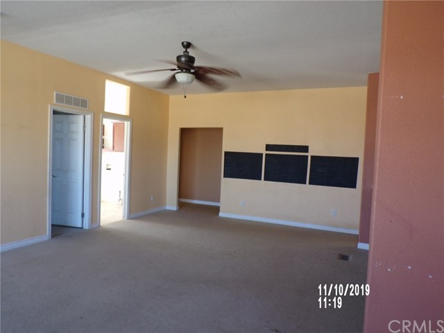 8380 Fairlane Rd, Lucerne Valley, CA 92356 Photo 10