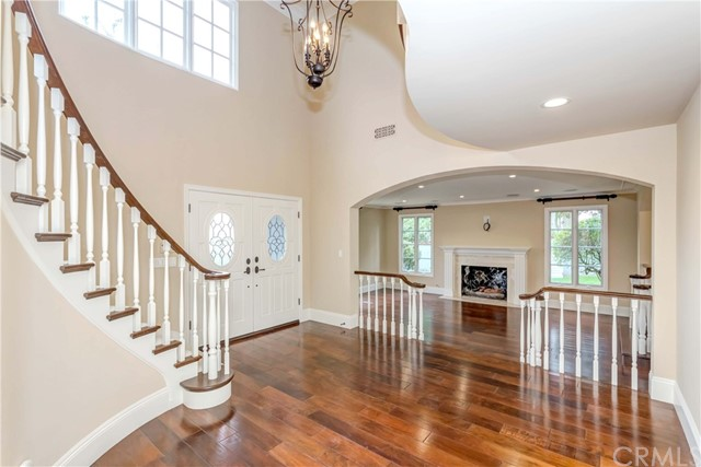 Entrance hall with foyer staircase