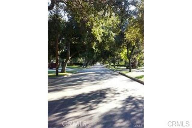 1067 N Holliston Av, Pasadena, CA 91104 Photo 11