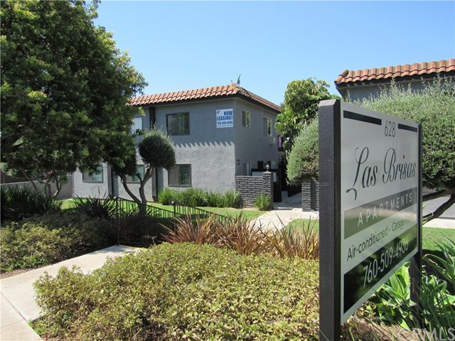 628 W California Avenue, Vista, CA 92083