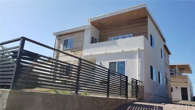 1427 256th, Harbor City, Los Angeles, California, United States 90710, ,Residential Income,For Sale,256th,IG21069430