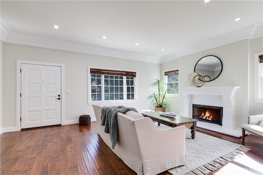 4. 1464 Oakdale Street Pasadena, CA 91106
