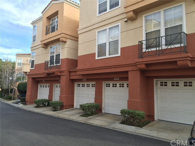 1050 S San Marino Way, Anaheim Hills, CA 92808