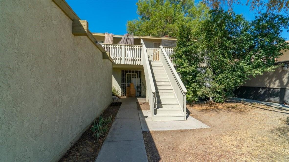 865 Douglas Court, Hemet, CA 92543