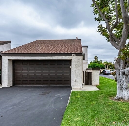 1701 S Heritage Circle, Anaheim, CA 92804