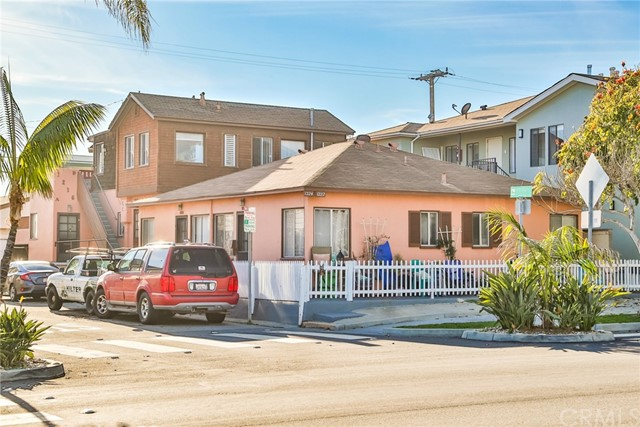 1216 Ocean Avenue, Seal Beach, CA 90740