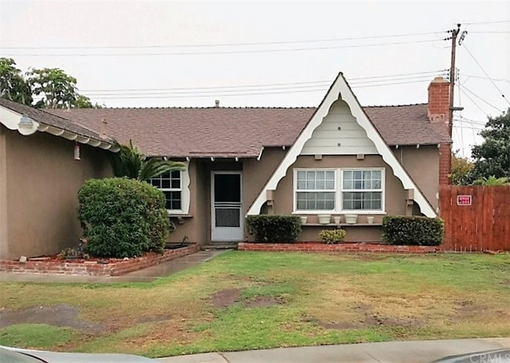 HUGE HUNTINGTON BEACH HOME!  5 bedrooms and 2 baths with large front yard..  This beauty is the second house from the end of the culdesac.  Bring your creativity to this charmer and make it your own.  Sellers have chosen not to make improvements or replace flooring or paint; but want the buyer to personalize their new home with their choices.  Great opportunity to relocate to Huntington Beach and live the beach lifestyle.  Come view this one as soon as you can,. Information provided here and throughout the MLS is deemed reliable but not guaranteed.  Buyer to verify all information on the MLS.  Property is in a Trust and ready to sell.  Bring us your best offer and change your address to Huntington Beach, CA!