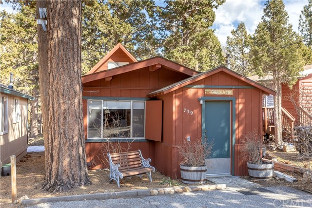 739 Riverside Avenue, Sugar Loaf, CA 92386