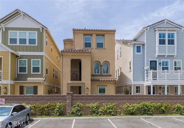 902 W Tribella Court, Santa Ana, CA 92703
