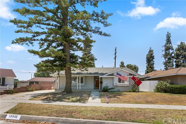Welcome to 10945 Mollyknoll Ave. Located in the highly desirable city of Whittier, in the Prestigious area of Friendly Hills!