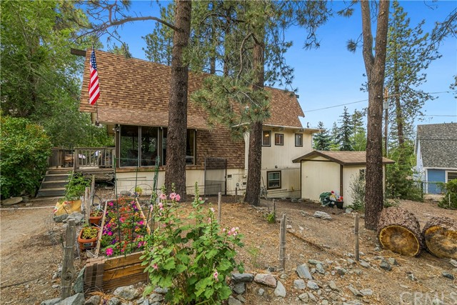 5331 E Canyon Court, Wrightwood, CA 92397