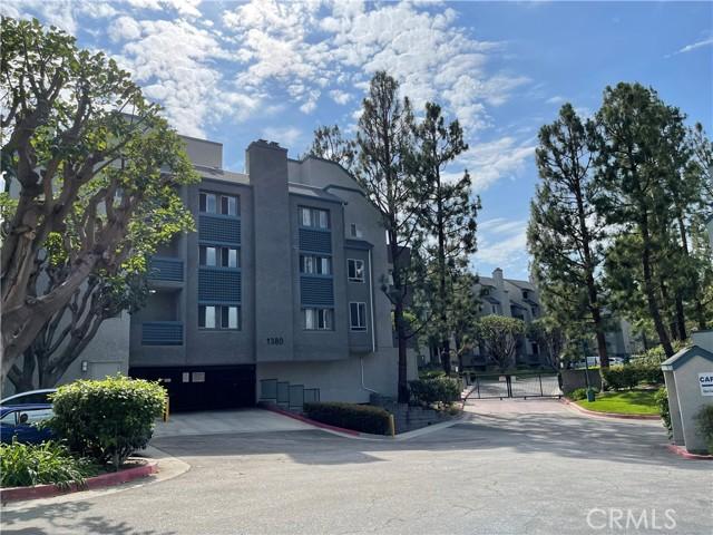 Photo of 1380 W Capitol Drive #308, San Pedro, CA 90732